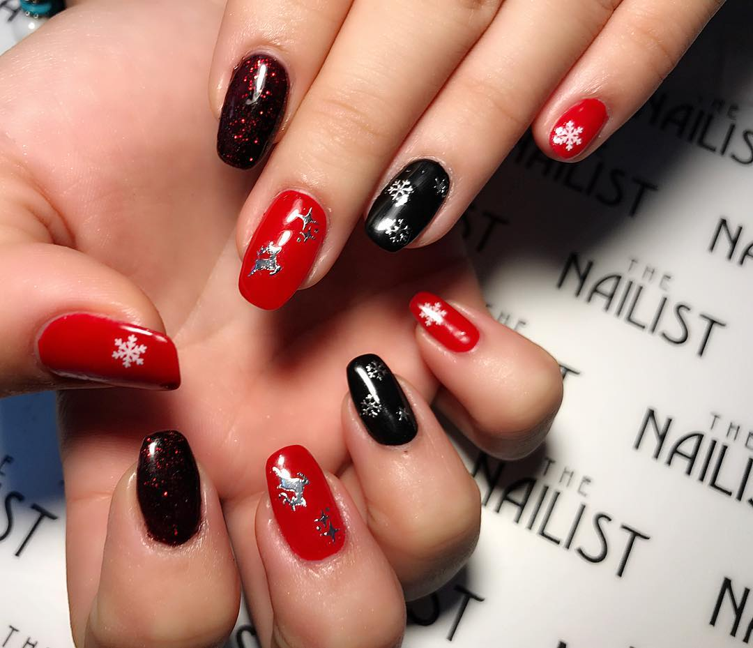 Alluring Red & Black Nails