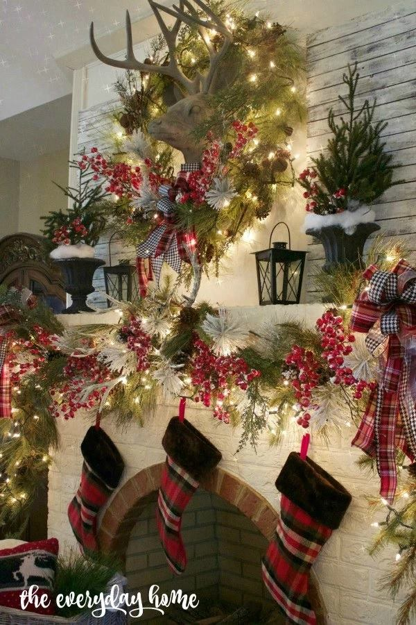 Amazing Christmas Mantel Decorations
