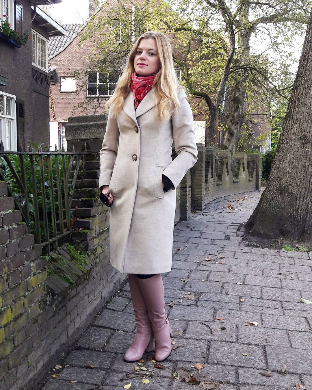 Amazing Dutch Style Coat With Red Scarf