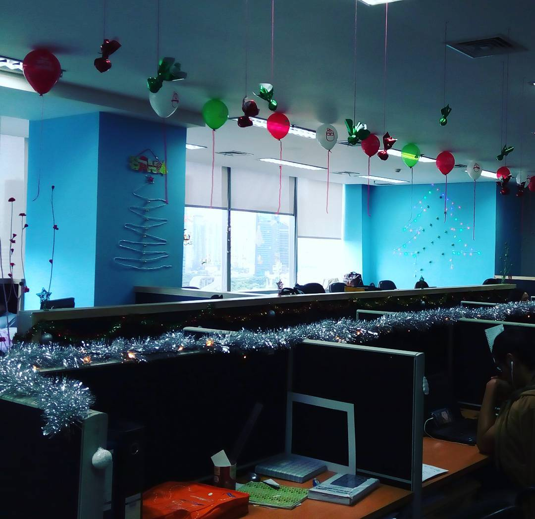 Attractive Colorful Christmas Decoration Idea