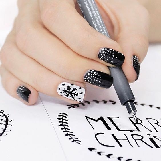 Awesome Black & White Nails With Snowflakes