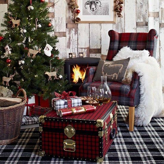 Awesome Plaid Theme Living Room Decor At Christmas