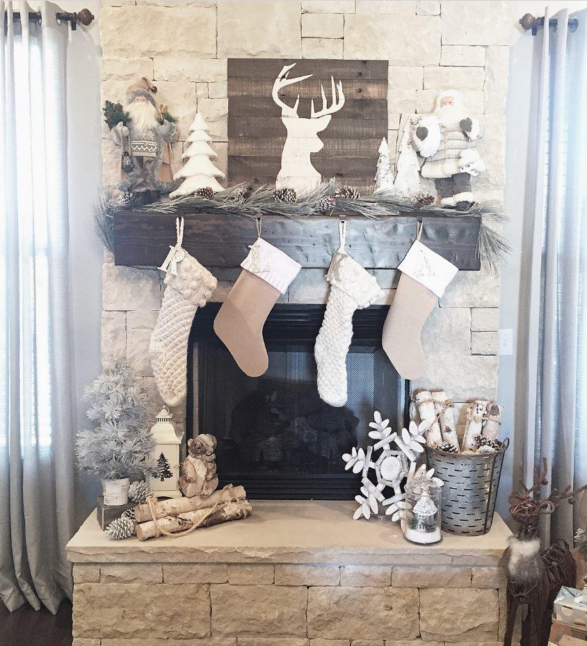 Awesome Rustic Christmas Mantel Decor Idea