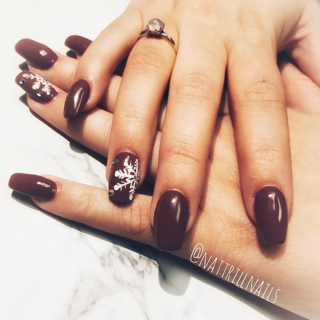 Brown Handpainted Winter Nails