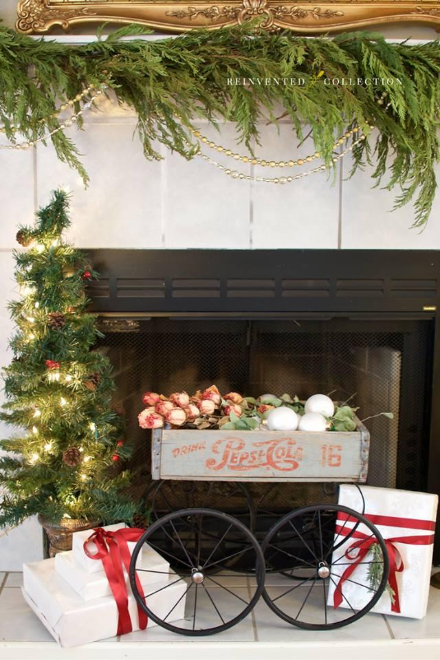 Budgetary Christmas Mantel Decor Idea