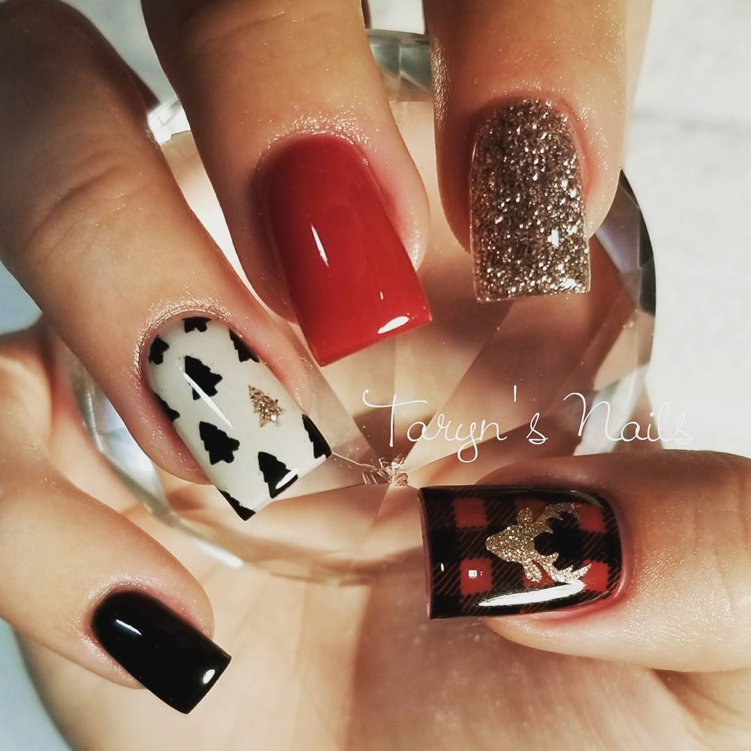 Chic Black & Red Nails With Tree, Plaid And Reindeer