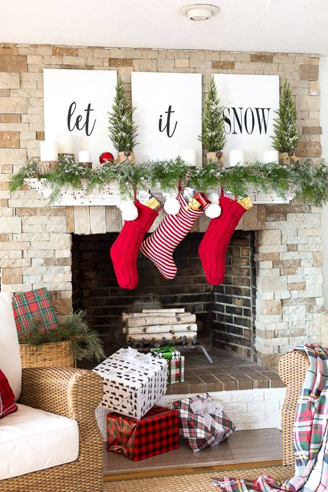 Chic Way To Decorate Mantel At Christmas