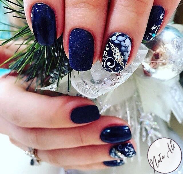 Classic Blue Party Nails For Party