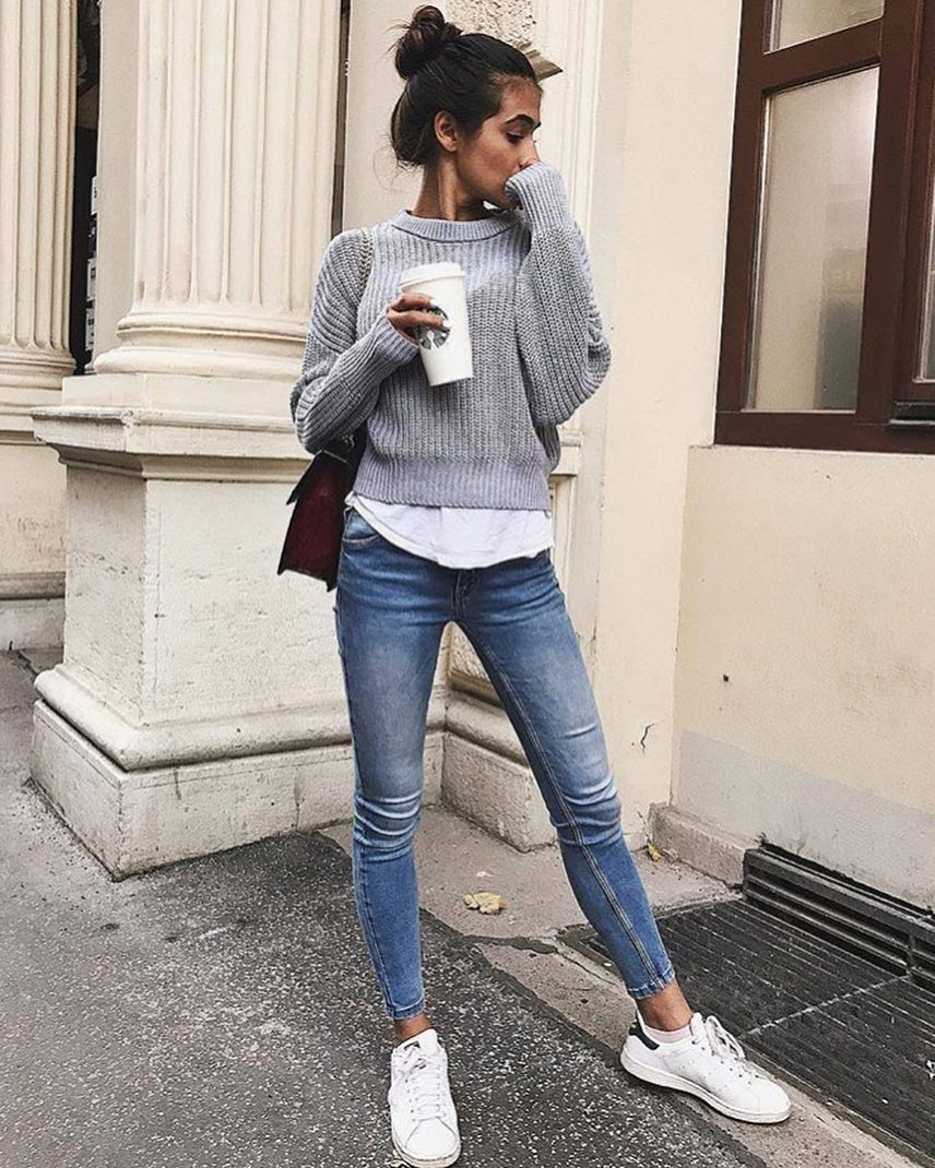 Classic Short Sweater With White Top And Jeans