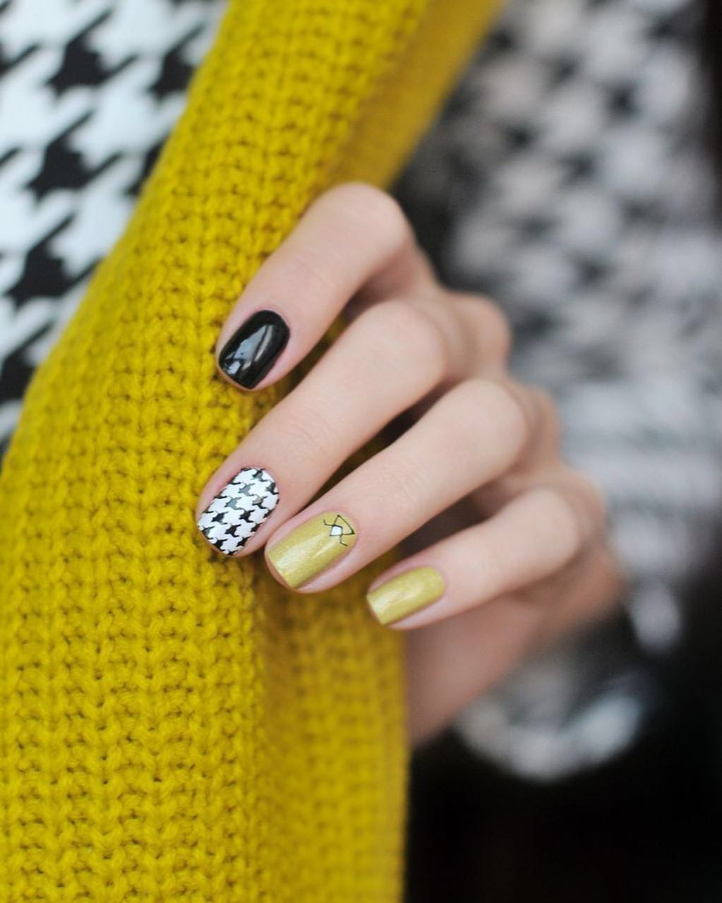 Cool Stamping Nail Art With Sweater Design