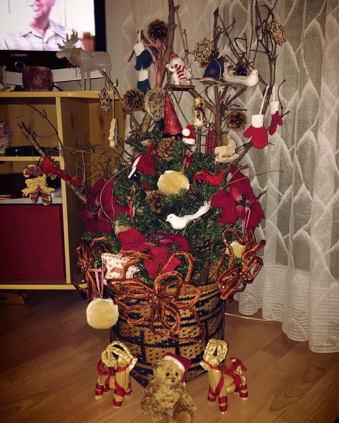 Cute Artistic Christmas Tree Decor