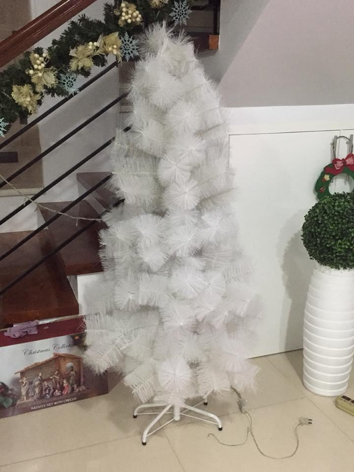 Cute & Elegant White Christmas Tree