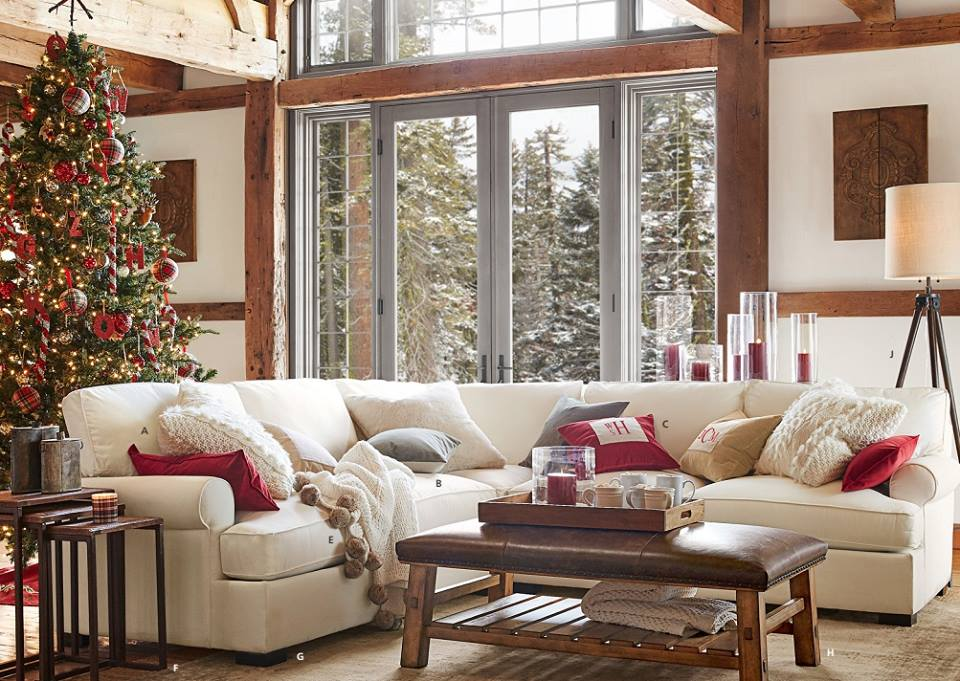 Dashing Living Room Decor With Christmas Tree With Red Ornaments