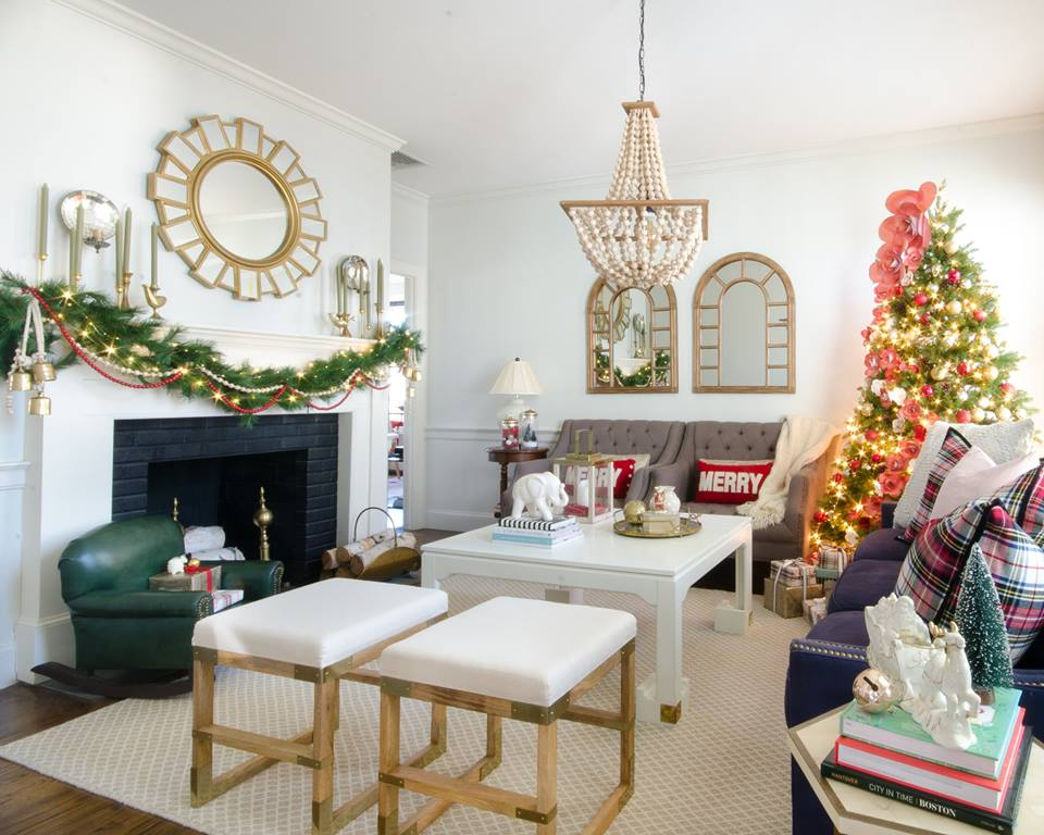 Elegant Living Room Decor With Garland And Christmas Tree Decorated With Fairy Lights
