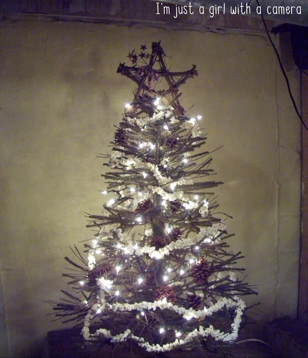 Elegant Rustic Christmas Tree Decor