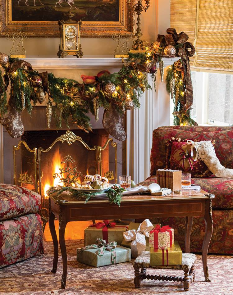 exclusive mantel decor with garland ribbon and vintage ornaments - Christmas Mantel Decorations Garland