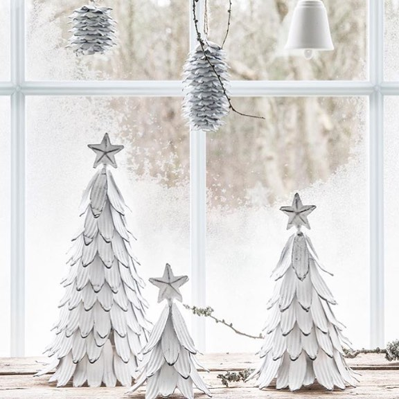 Eye-Catching Artificial White Christmas Tree