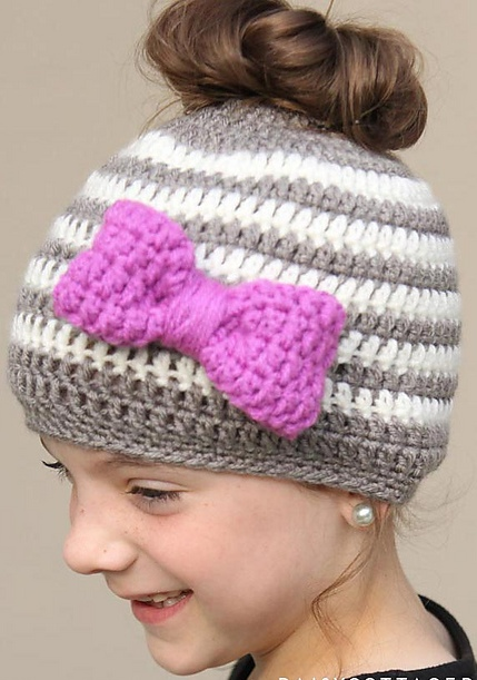 Eye -Catching Ponytail Or Messy Bun Cap With Bow