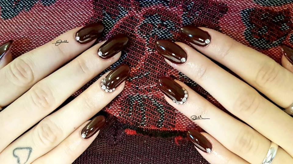 Fabulous Brown Nails For Winters