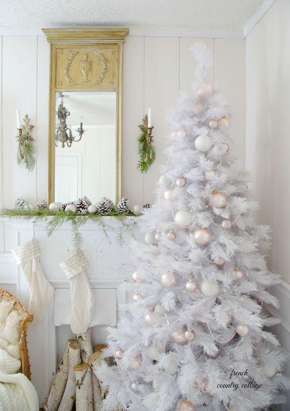 Fabulous White Bulb Decorated Christmas Tree