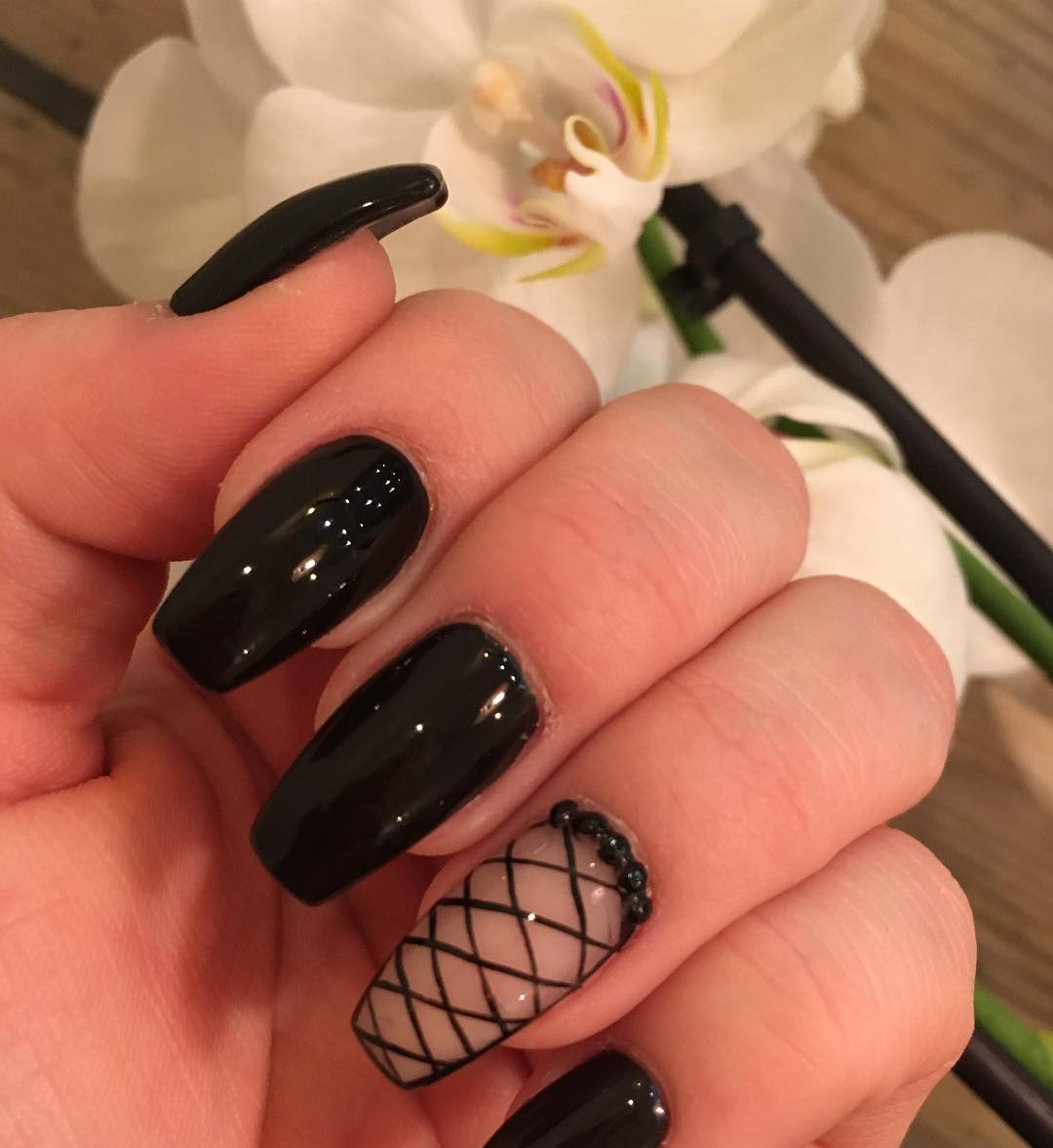 Fantastic Black Winter Nail Art