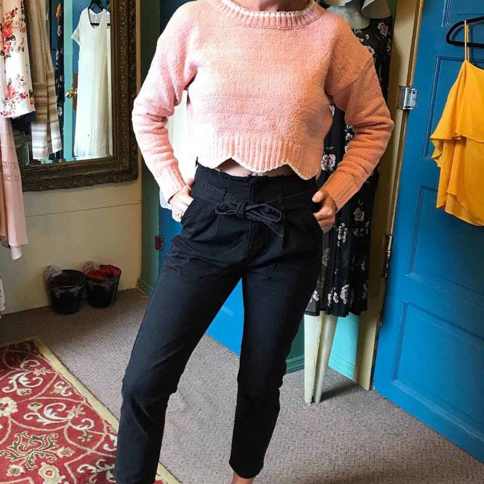 Fantastic High Waist Bow Tie Black Denim Crop Pant With Pink Cropped Scallop Hem Sweater