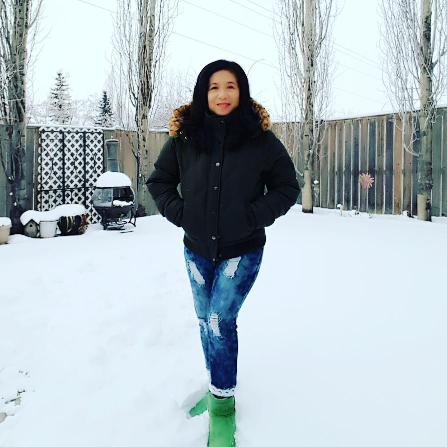 Fantastic Winter Jacket Paired With Jeans In Frozen Weather