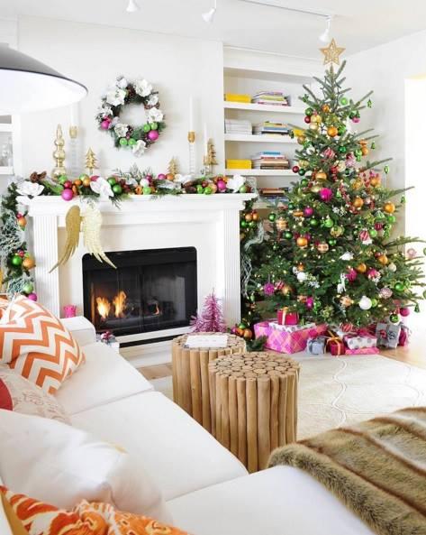 Fruitful Mantel Decoration For Christmas