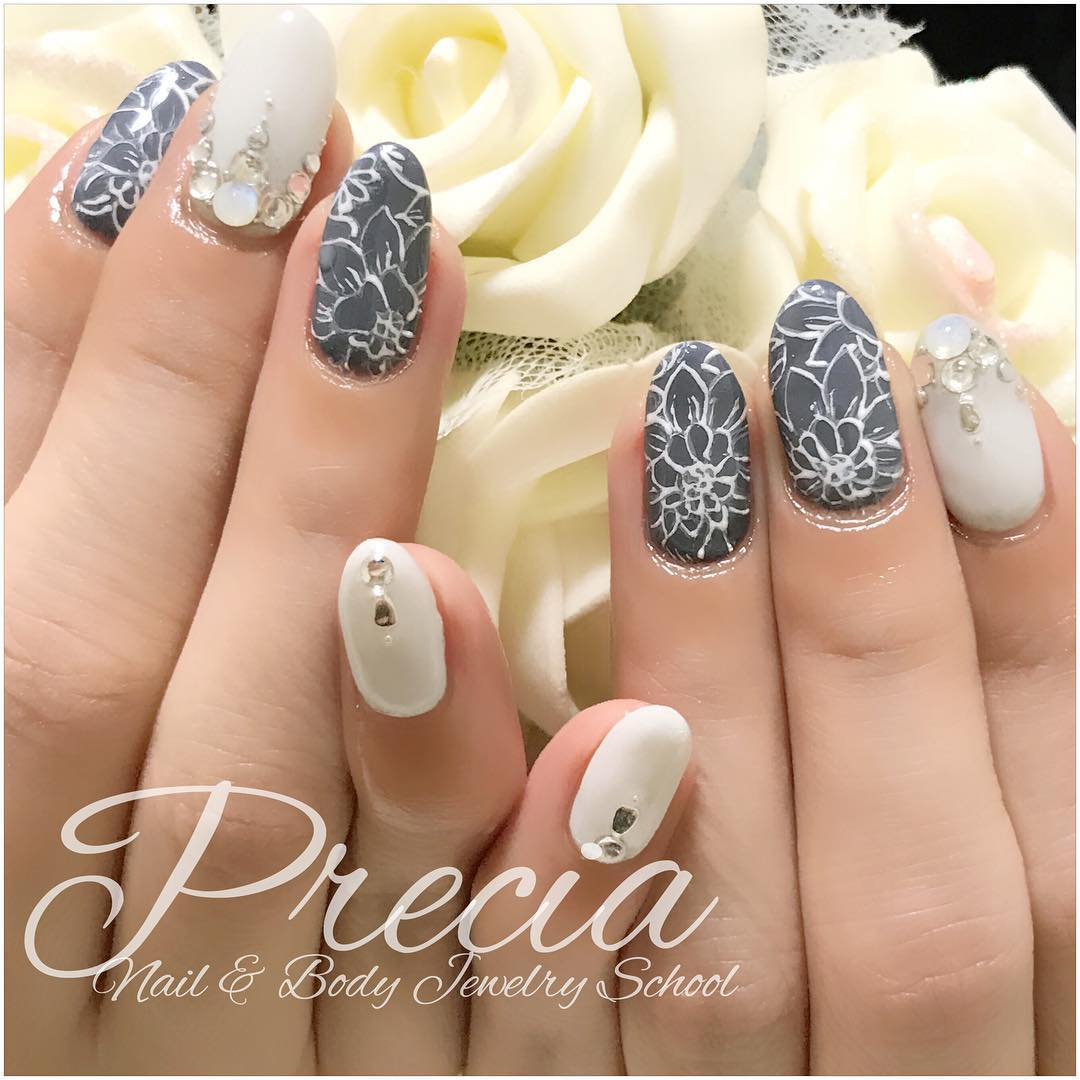 Grey And White Handpainted Flowers On Nails