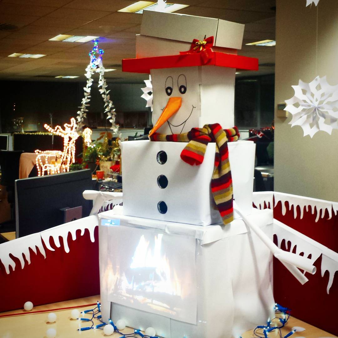 Handmade Box Snowman , Tree And fairy Light To Decorate Office Area