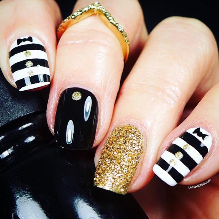 Lovely Black & White Stripes With Glitter Nail Art