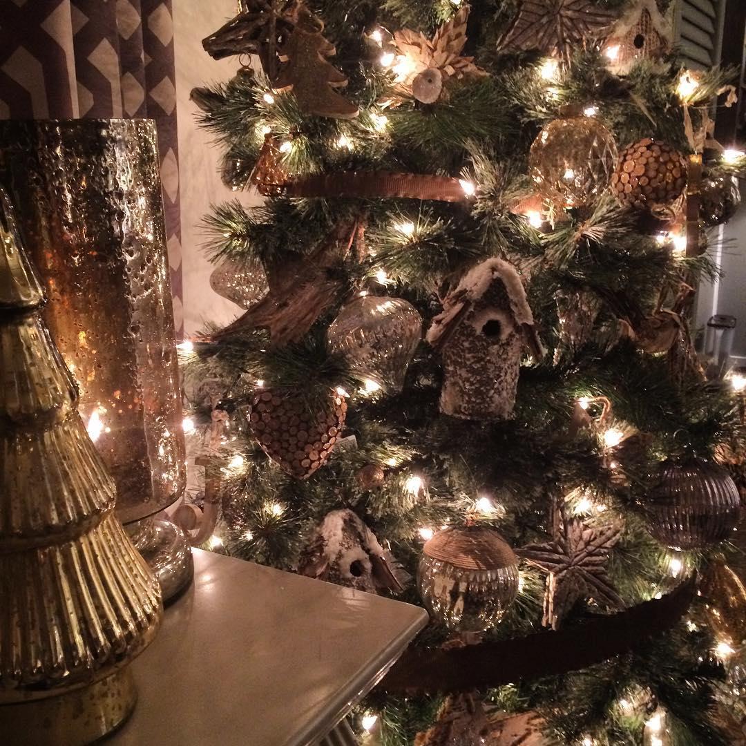 Rustic christmas tree decoration ideas to light up