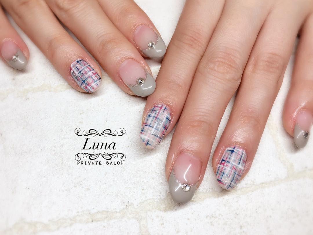 Mind-Blowing Acrylic Winter Nails