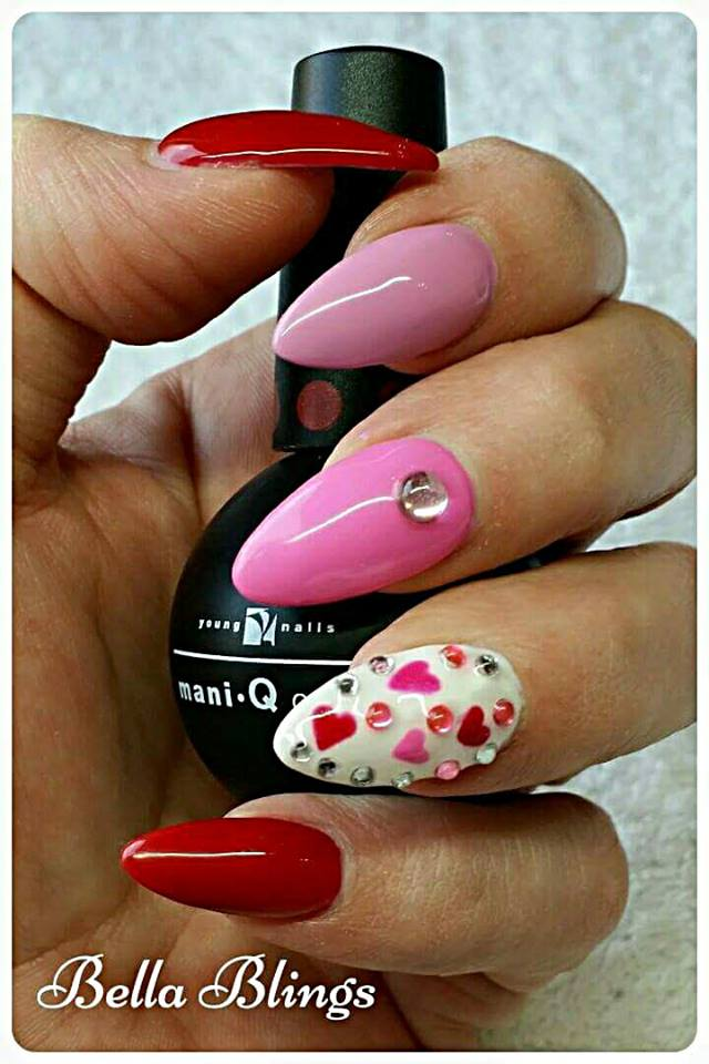 Mind-Blowing Red & Pink Nails With Little Hearts On White