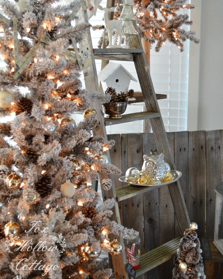 Outstanding Rustic Christmas Tree Decor Idea