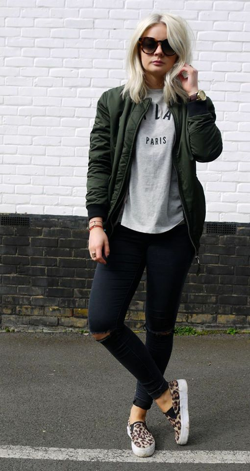 Plane T-Shirt, Ripped Jeans And Jacket With Leopard Print Boots