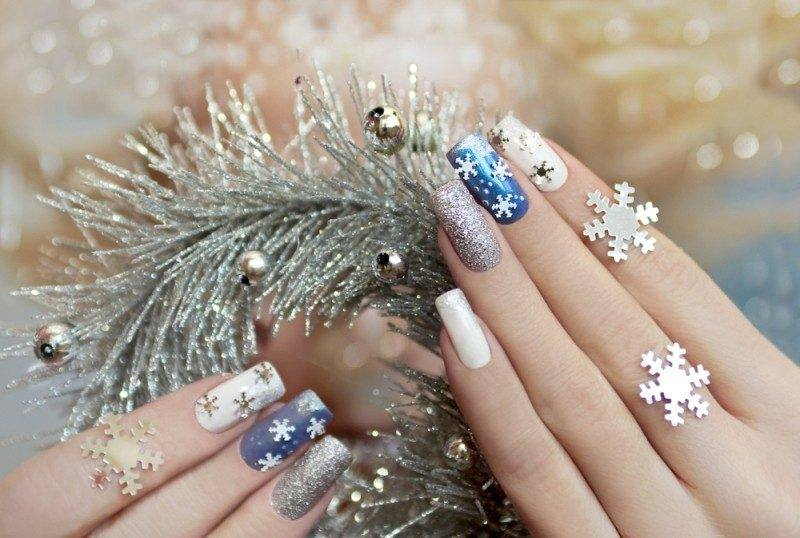 Pretty Blue And Silver New Year Party Nails