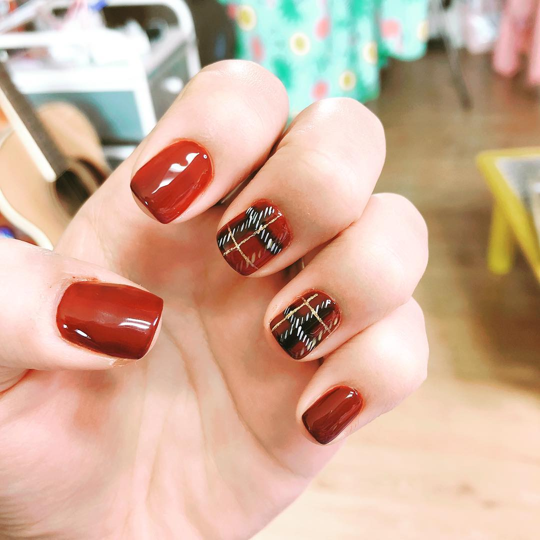 Red With Black Check Nails Design