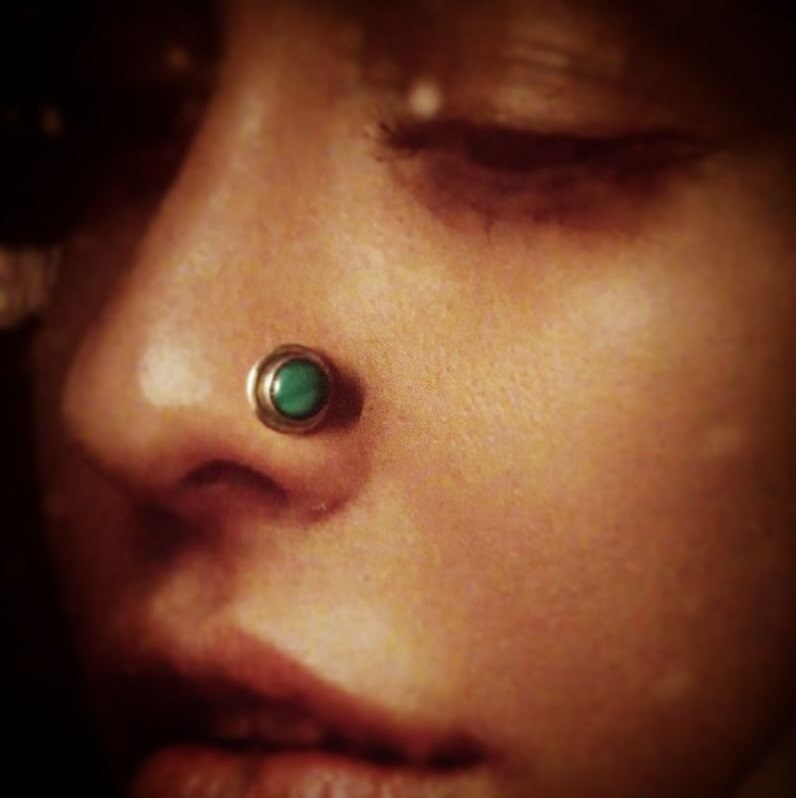Silver And Turquoise Nosepin Design