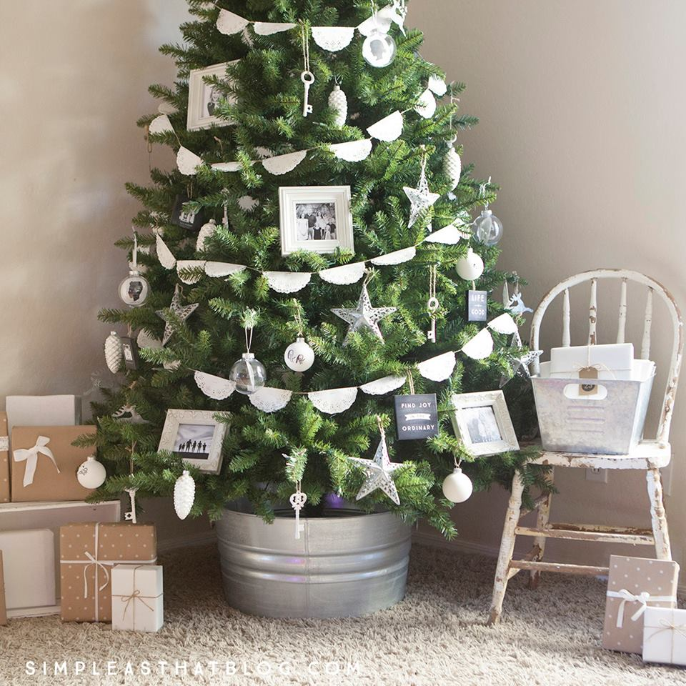 Simple And Memorable Rustic Christmas Tree