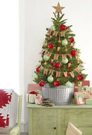 40 Rustic Christmas Tree Decoration Ideas To Light Up