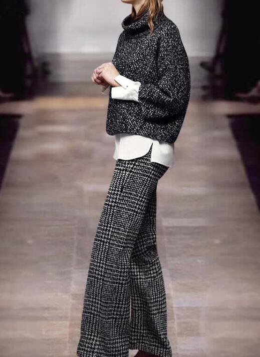 Ultimate Short Sweater With Plaided Plazo Pant