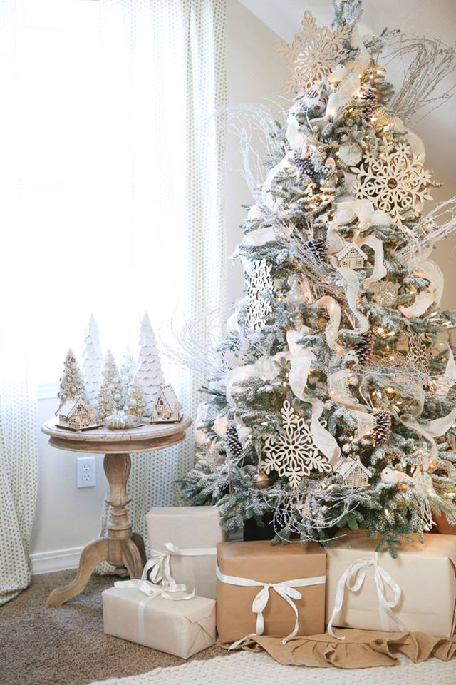 Wonderful Christmas Tree Decor With White Tree Ornaments, Snowflakes, Laces And Trimming
