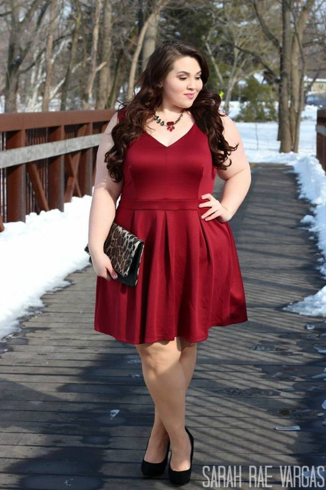 Best Maroon Plus Size Valentine's Day Outfit
