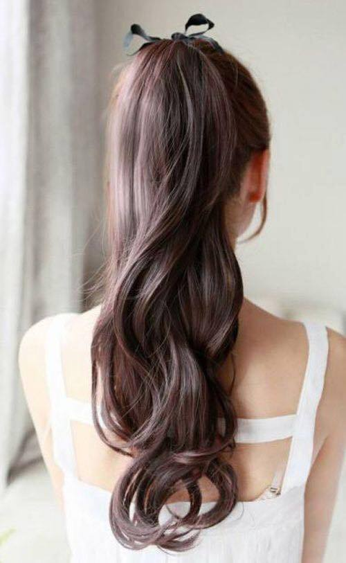 Chic Ponytail With Soft Curls For Romantic Day