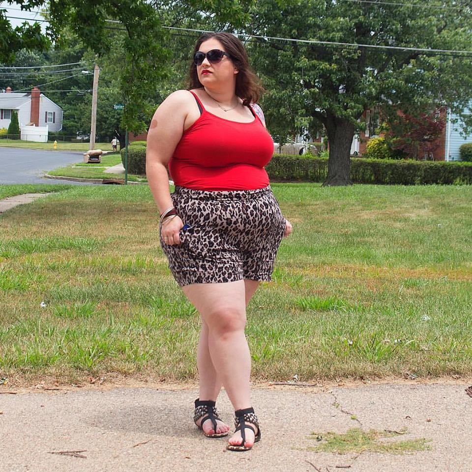Exclusive Red Spaghetti With Leopard Print Shorts