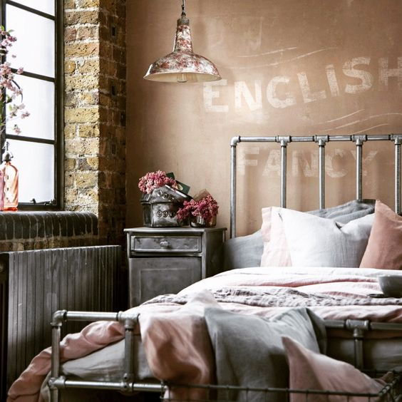 Exceptional #04 An Industrial Bedroom With Brick Wall And Amazing Hanging Lamp Via