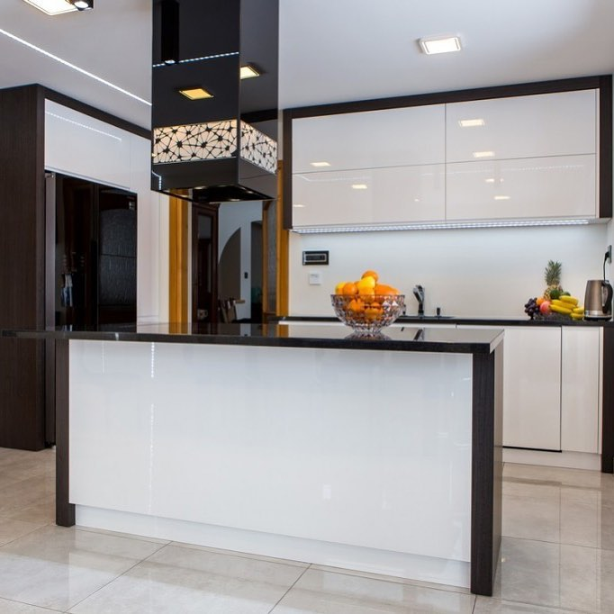 Best Combination Of Black And White High Gloss Creates A Sleek Contemporary Look