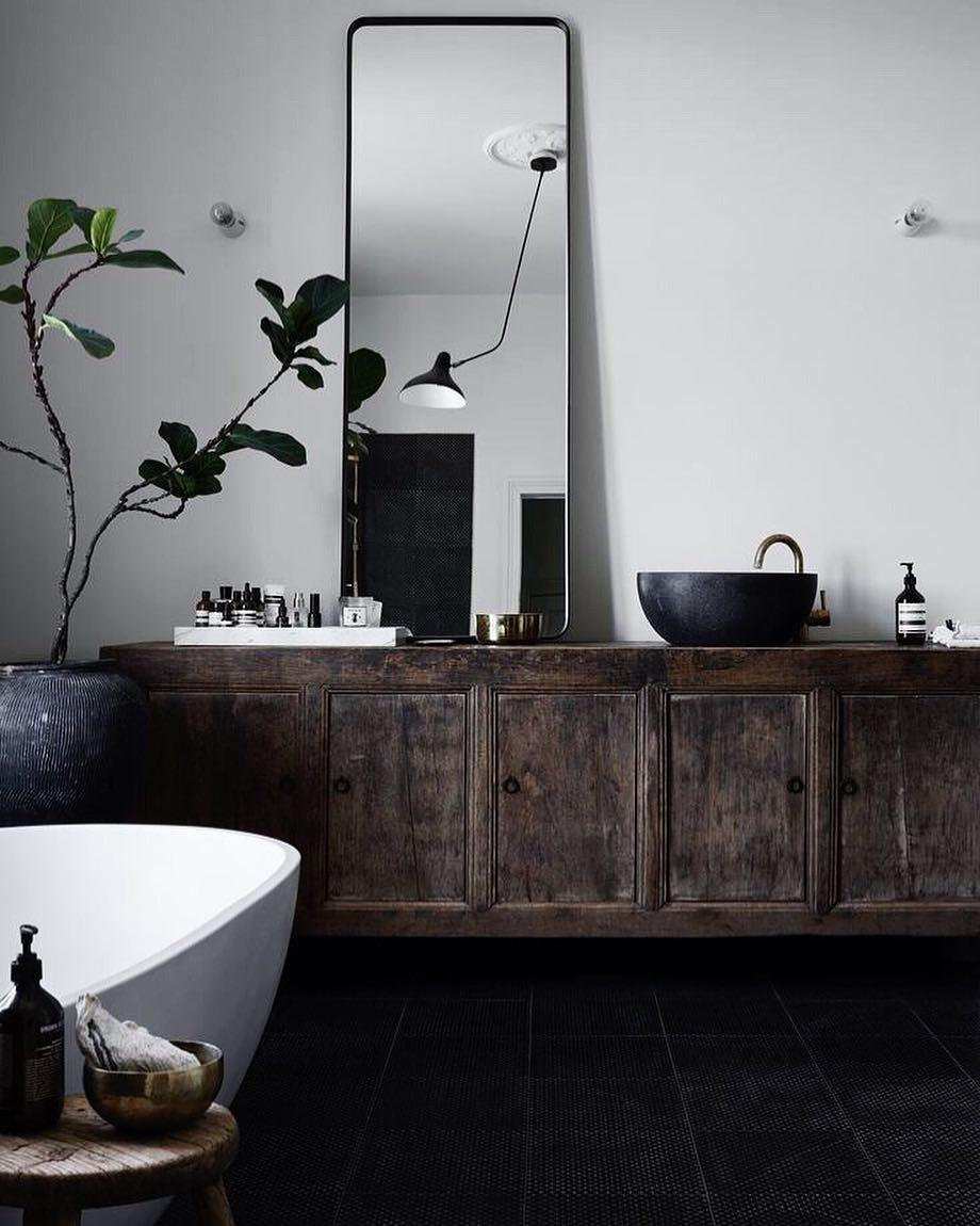 Best Modern Touch Rustic Bathroom Decorated With Indoor Plants