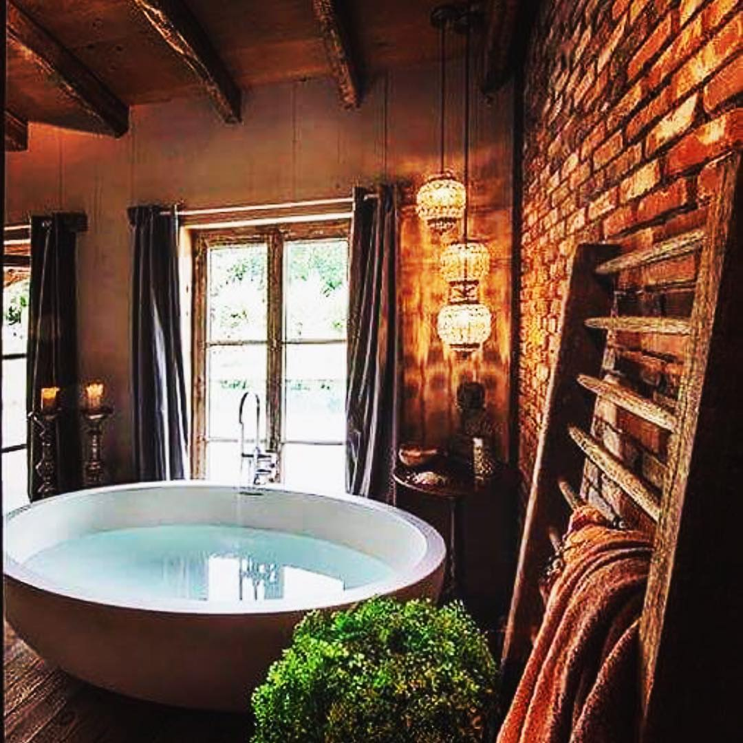Cabin Bathroom With Bathtub